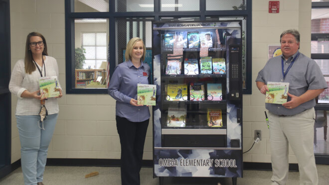 "Georgia Peanut Commission donates  ""A Home Run for Peanuts"" to local school's book vending machine"